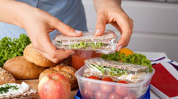 A New Take For Grocerants: School Lunch