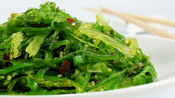 People Are Eating Seaweed